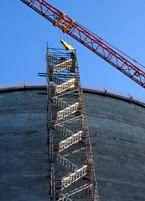 Стълбище от скеле – за бърз и безопасен работен достъп при изграждането на силоз