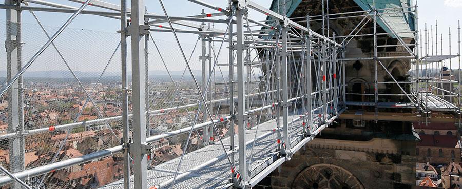 Решения за премостване в индустрията и строителството от Layher