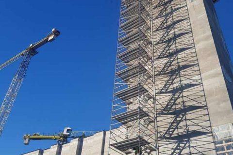 Безопасен достъп при индустриалните конструкции скеле