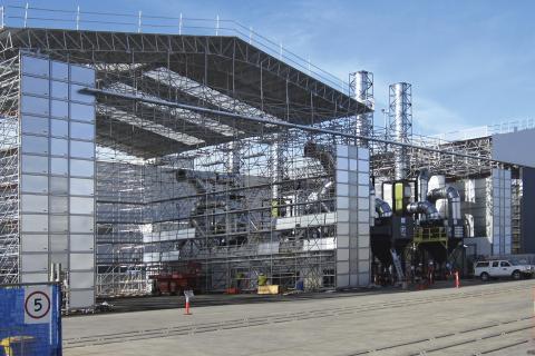 Защитни системи Layher за изграждане на халета за корабостроителната промишленост